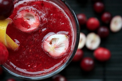 What Is Healthier: Juicing or Blending?